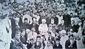 Seth Harchandrai in left with Mahatma Gandhi