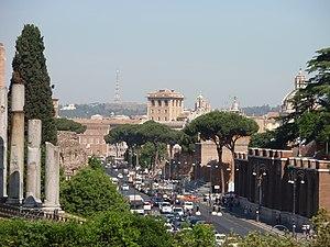 Via dei Fori Imperiali, seen from the Colosseu...