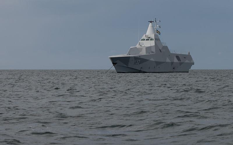 File:K32 HMS Helsingborg Anchored-of-Gotska-Sandoen.jpg