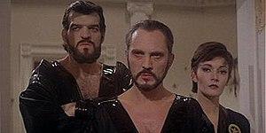 General Zod (Terence Stamp, center), Ursa (Sar...