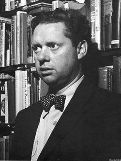 Dylan Thomas photo.jpg
