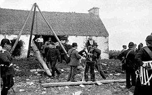 RIC and Hussars at an eviction