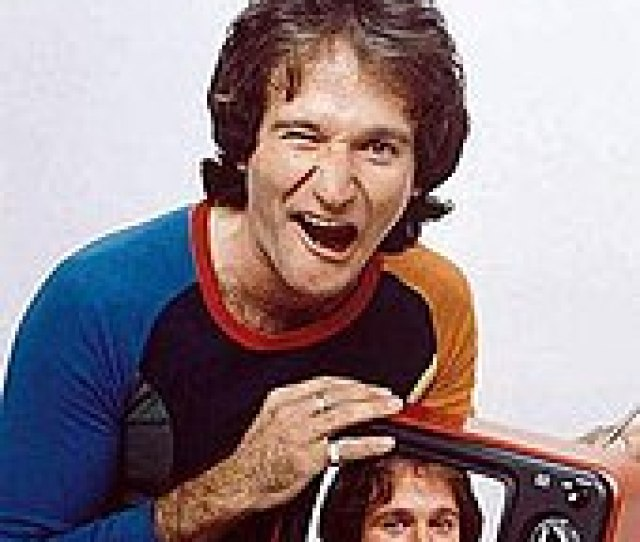 Photo Of Robin Williams As Printed On The March   Cover Of Time Magazine And Installed In The National Portrait Gallery To Commemorate Him