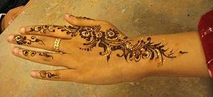 Mehndi on hand (cropped version)