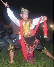 Contoh Gerakan Tari Remo : contoh, gerakan, Wikipedia, Bahasa, Indonesia,, Ensiklopedia, Bebas