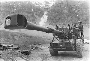 https://i0.wp.com/upload.wikimedia.org/wikipedia/id/thumb/7/74/Kargil_Bofors.jpg/300px-Kargil_Bofors.jpg