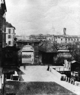 Porta Vittoria (Porta Tosa)