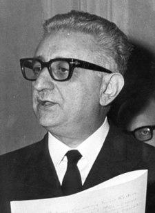 https://i0.wp.com/upload.wikimedia.org/wikipedia/it/thumb/2/2f/Giovanni_Leone.jpg/225px-Giovanni_Leone.jpg
