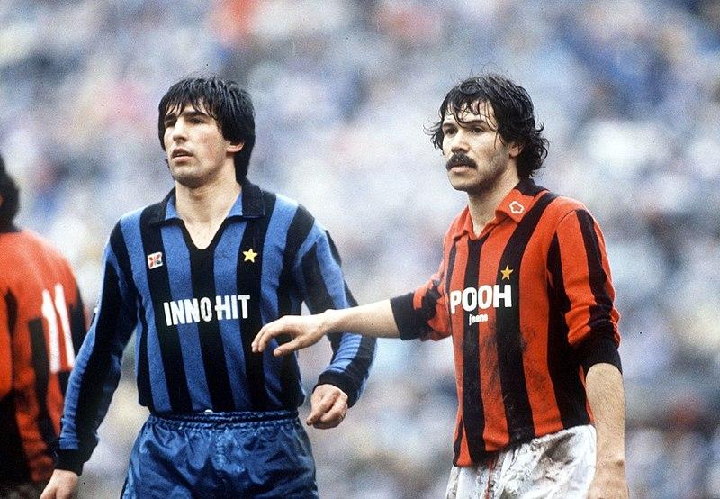 https://i0.wp.com/upload.wikimedia.org/wikipedia/it/thumb/8/84/Serie_A_1981-82_-_Inter_vs_Milan_-_Salvatore_Bagni%2C_Maurizio_Venturi.jpg/800px-Serie_A_1981-82_-_Inter_vs_Milan_-_Salvatore_Bagni%2C_Maurizio_Venturi.jpg?resize=800%2C554&ssl=1