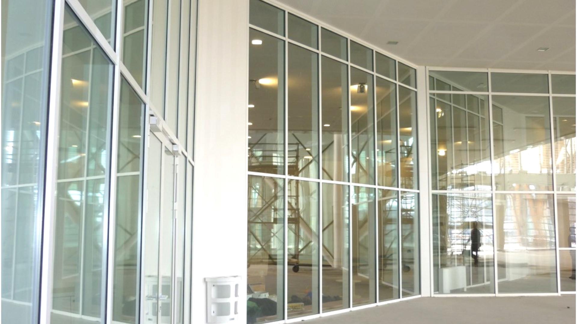 mur rideau coupe feu vitre acier
