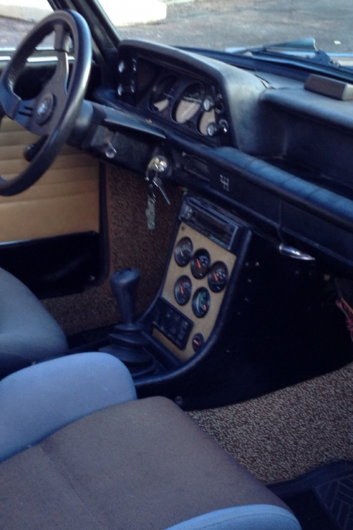 Ipodcontrolled Hidden Stereo Into A Bmw 2002 Faq Articles