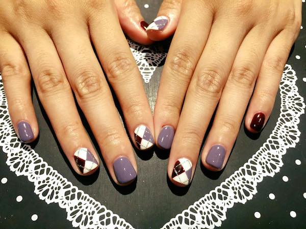 With Be Stones And Pearls Their Korean Nail Artists Will Able To Transform Your Nails The Most Up Date Design From Korea
