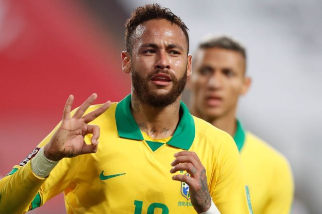 Neymar marca três vezes contra o Peru