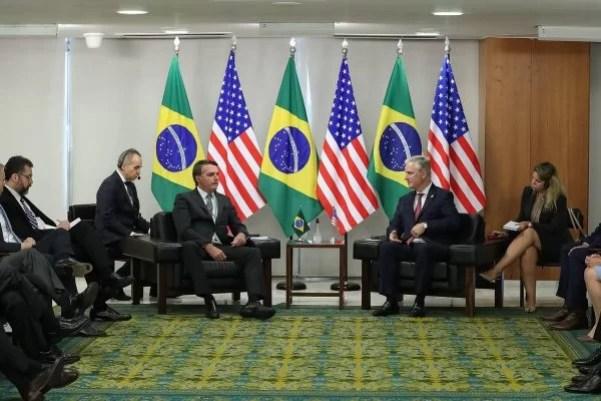 Brasil fecha acordo com Estados Unidos e receberá investimento em 5G