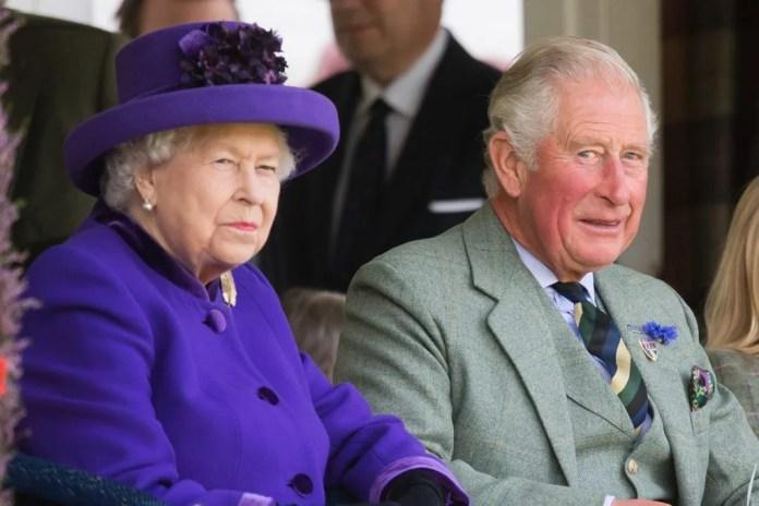 Rainha Elizabeth II e príncipe Charles