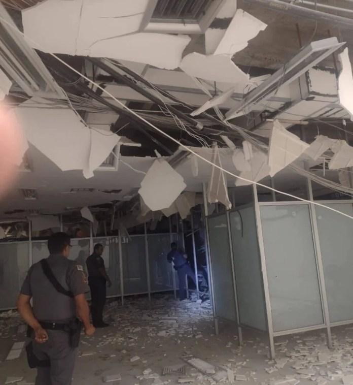 Agência da Caixa Econômica Federal ficou destruída após ataque em Araçatuba (SP) (1)