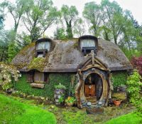 Hobbit House, Inside and Out - Neatorama