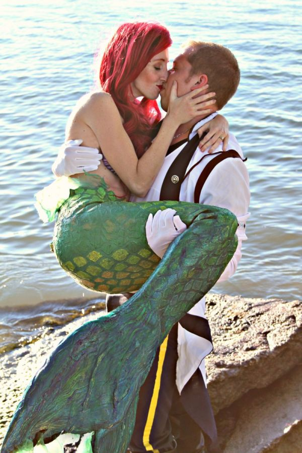 A Surprise Little Mermaid Engagement Photoshoot Neatorama