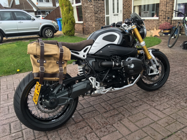 Withdrawn Unit Garage Pannier And Frame, (uk)  Bmw Ninet