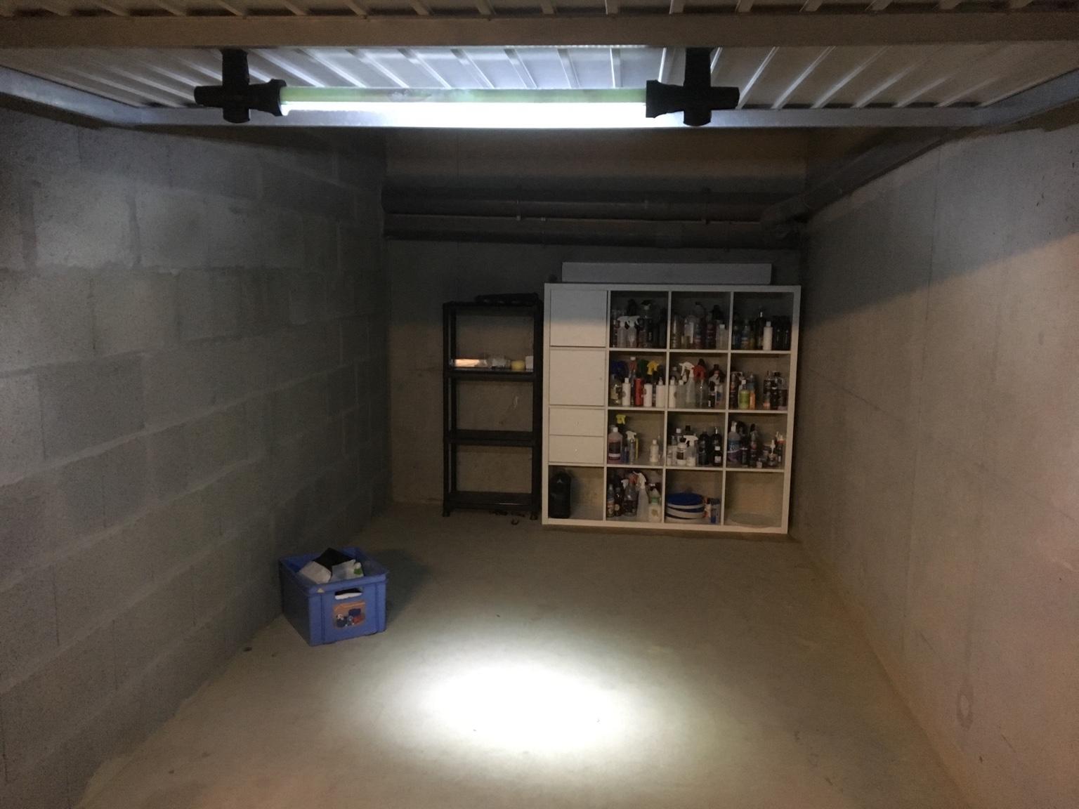 Luminaire garage