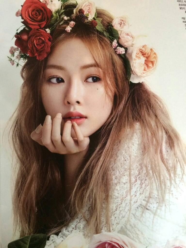 Hyuna Cute Wallpaper Photoshoot Hyuna Dresses Up Like A Fairy Princess For