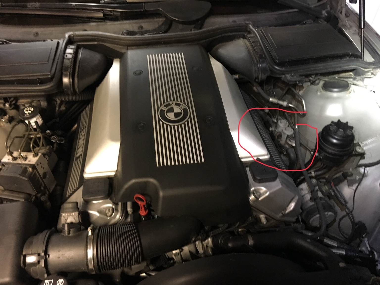 hight resolution of where is it specifically on the 540i right side of the engine bay on the strut housing here are some pictures with zoom
