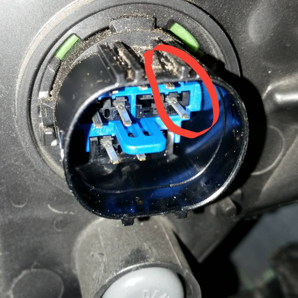 hight resolution of i don t know the color outside because the wires are bundled and wrapped with electrical tape but you can figure out by knowing the pins