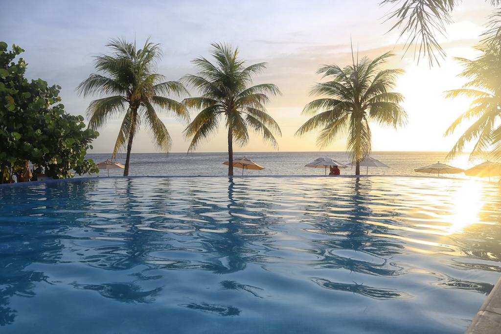 Grand Roatan Caribbean Resort