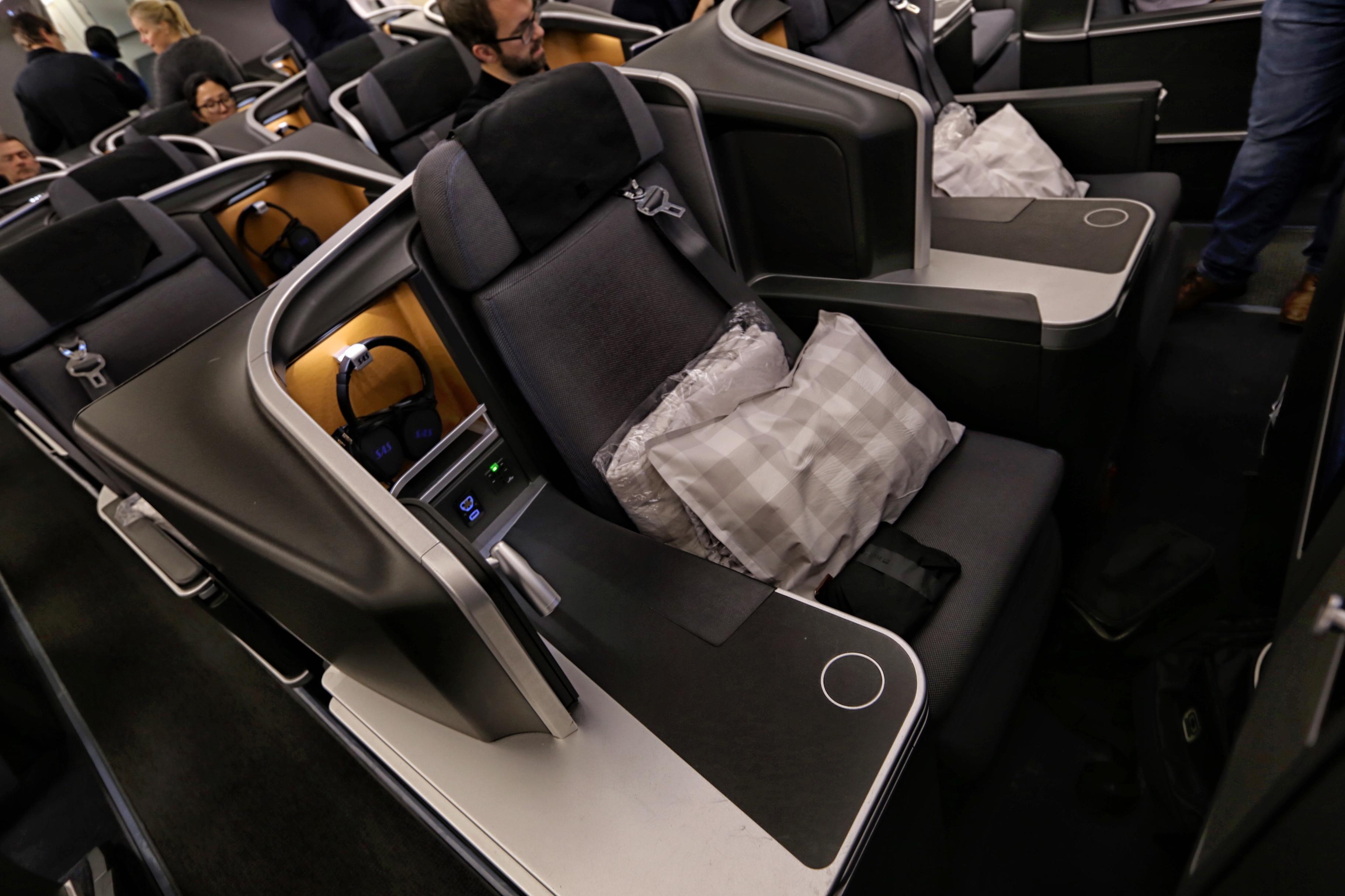 SAS business class seats