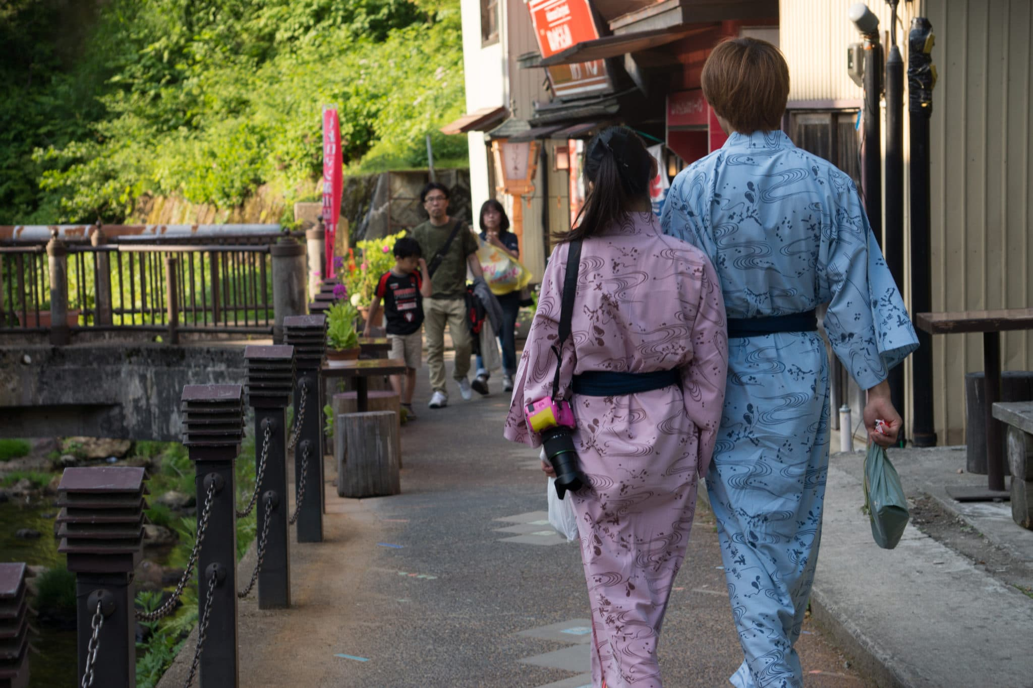 Couple wearing yukata at Ginzan