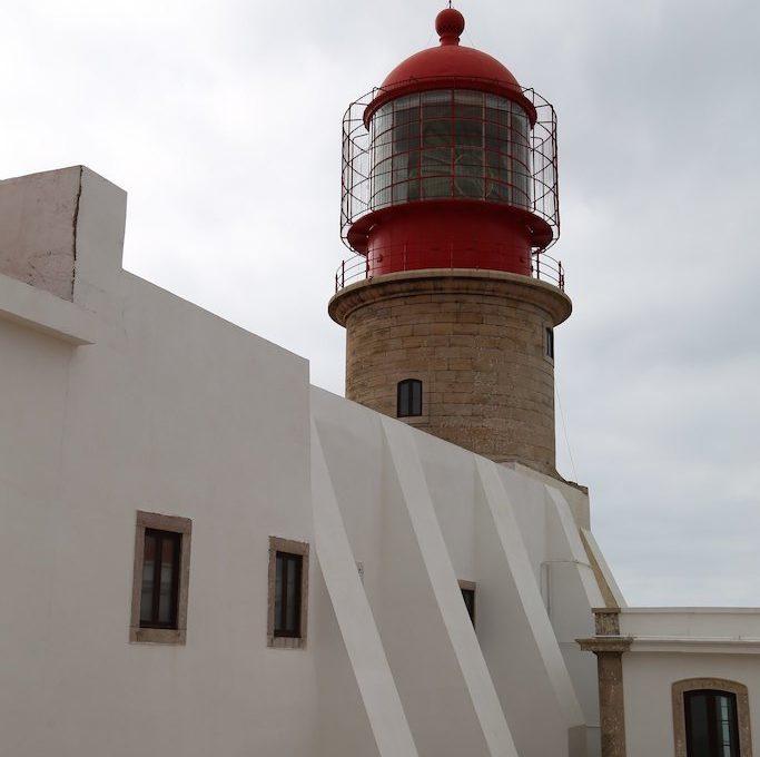 Red lighthouse at Farol do Cabo de São Vicente