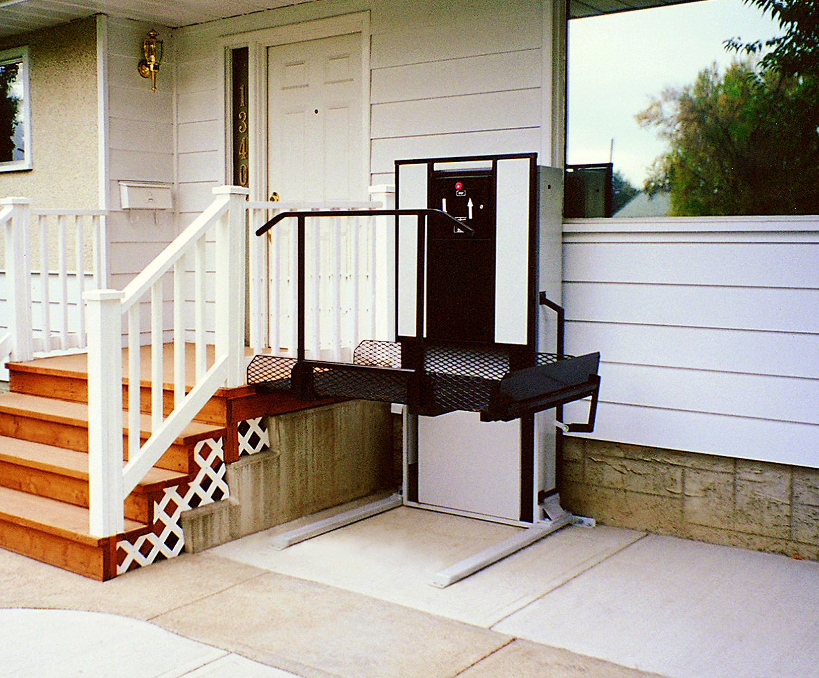 wheelchair elevator chair covers wedding venue residential lifts what is a porch lift uppercut