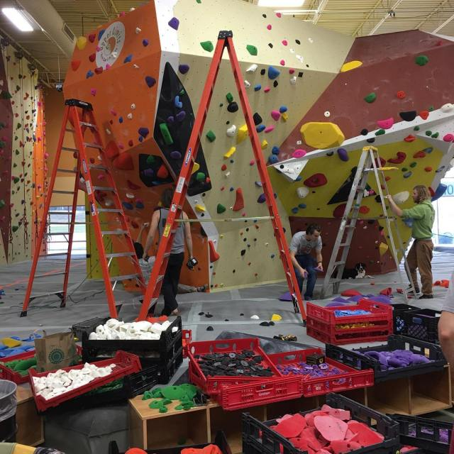 Keeping these problems fresh! plasticparadise chesterfield gymlife indoorclimbing uli upperlimits