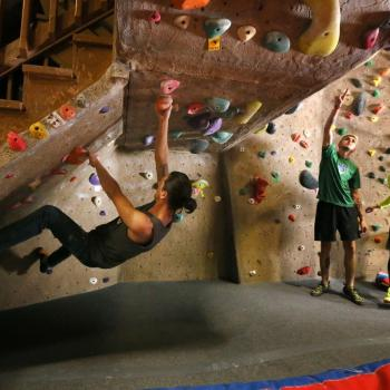 bouldering at upper limits downtown st. louis best indoor rock climbing gym