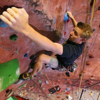 lead rock climbing at upper limits downtown st. louis indoor rock climbing best gym