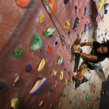 top rope rock climbing at upper limits downtown st. louis best indoor rock climbing gym