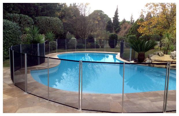 Cloture et barrire amovible pour piscine  PiscineCenterNet