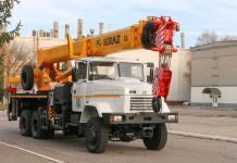 КрАЗ відвантажив партію 32-тонних автокранів для Укрнафти
