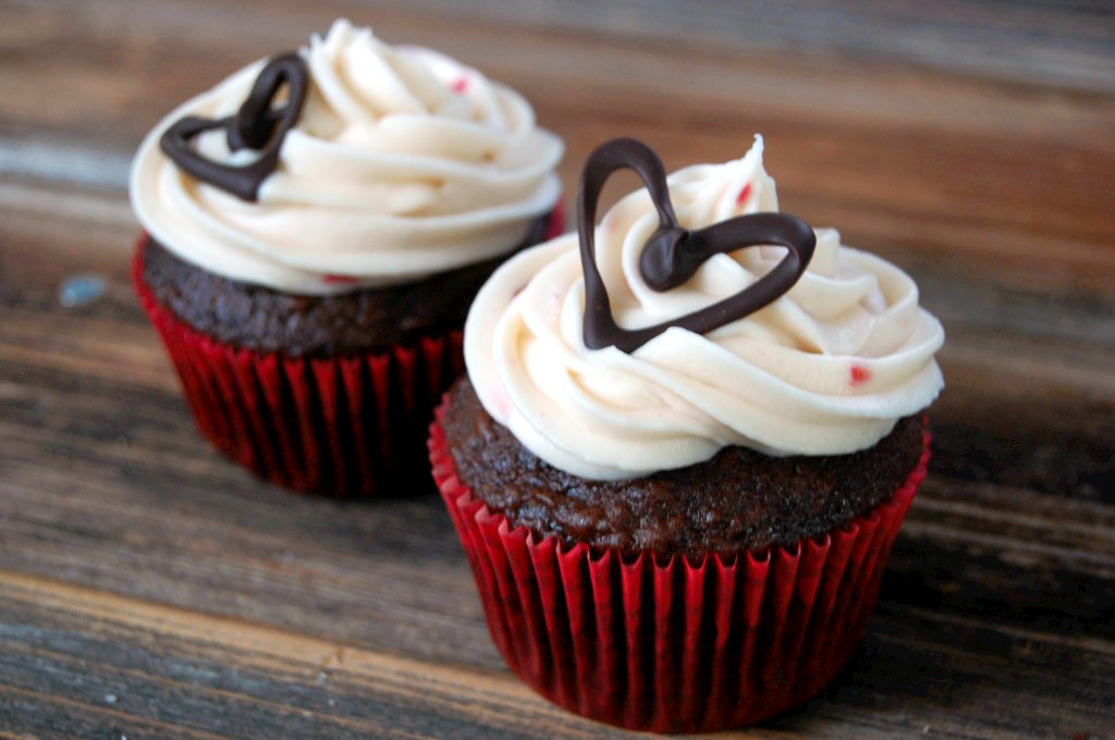 How To Small Batch Cream Cheese Frosting  Chocolate Cupcake Decorations