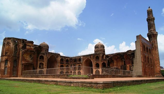 800px-Complete_view_of_Mahumad_Gawan