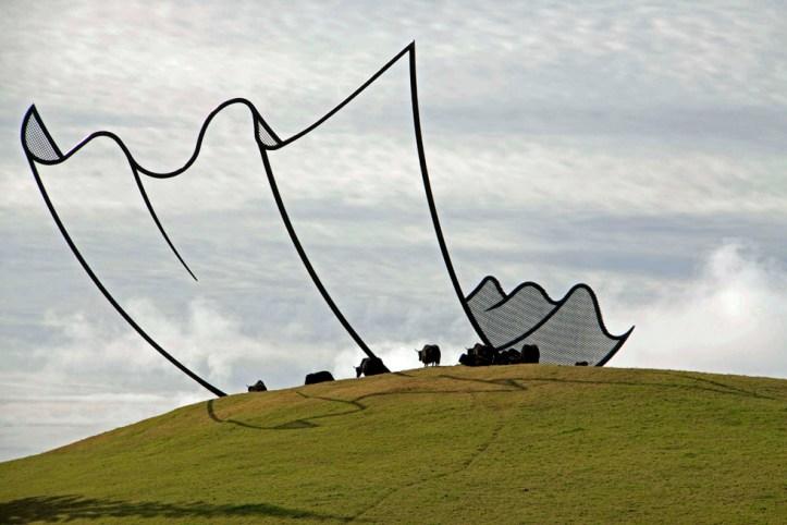 Neil-Dawson-sculptures-cartoon2.jpg
