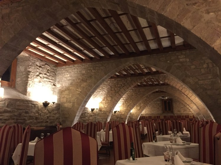 vaulted ceiling dining area at the Parador de Cardona