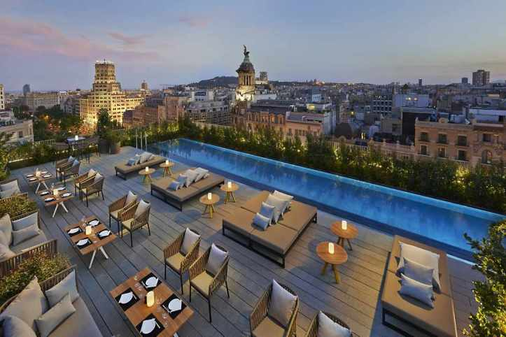 terrat rooftop bar at mandarin oriental, barcelona