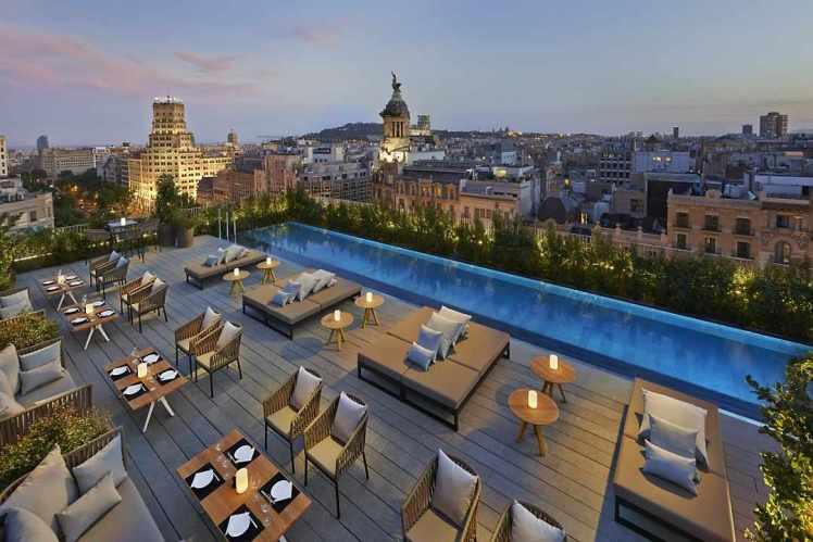 terrat rooftop bar at mandarin oriental, barcelona