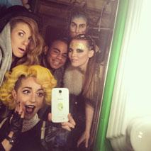 5_BackstageFashionShowCreativeAlliance_Models+Stylists+Designers-Befoer-the-Runway