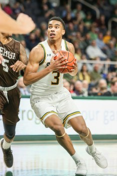 Siena sophomore guard/forward Manny Camper playing in a game against Lehigh on Nov. 21, 2018 at Times Union Center. Photo: Robert Dungan/The Upstate Courier