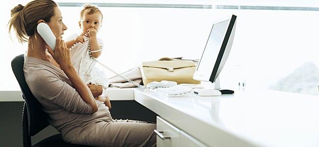 Levar as crianças para o emprego. Será assim tão boa ideia?