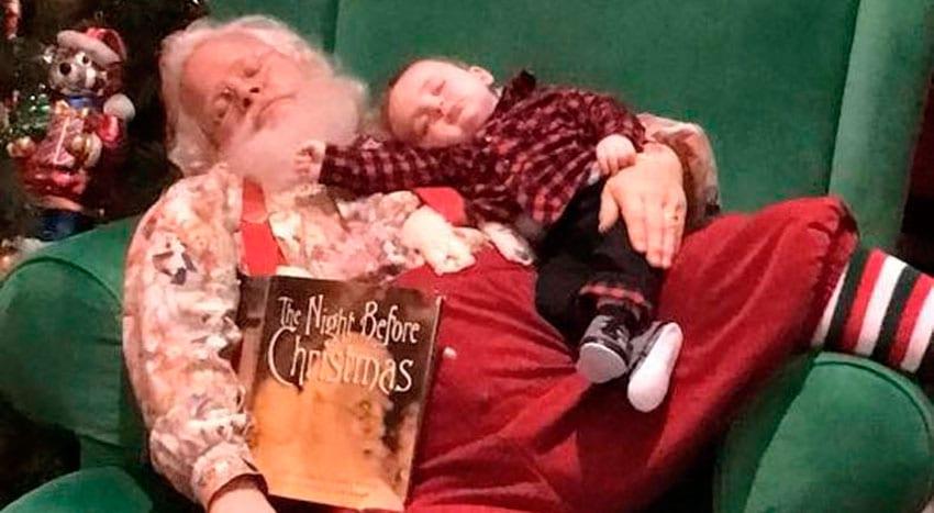 O Pai Natal que se recusa a acordar o bebé que adormeceu na fila.