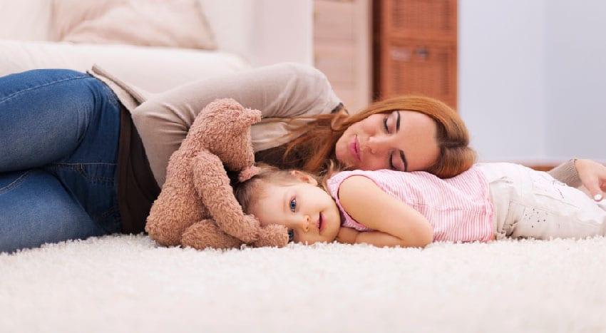Ser Mãe todos os dias cansa! Sem tempo para recuperar o fôlego nem conseguir respirar fundo, saímos do bloco de partos e num segundo mudamos de estatuto.