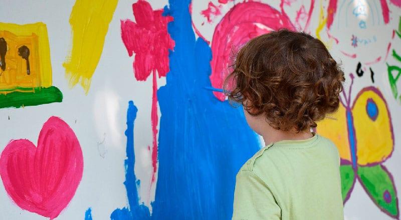 Os benefícios das artes plásticas para as crianças